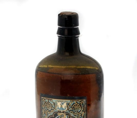 Image credit: An 1880s bottle of Cassidy & Co Monasterevin whiskey (Eugene T Hamill/Victor Mee Auctions)