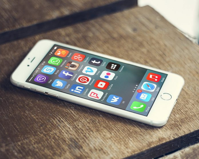 84% of Irish mobile phone users now have a smartphone